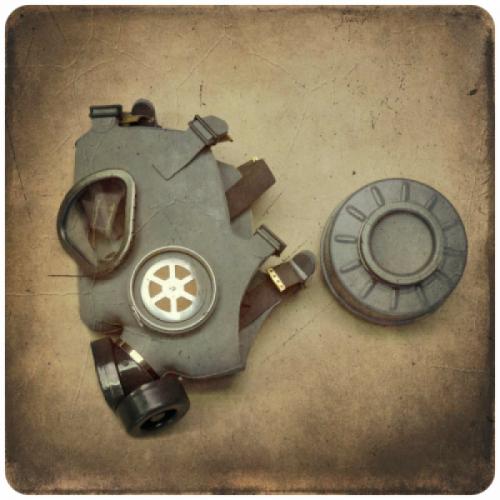 Finnische Schutz-/Gasmaske M9 mit Filter